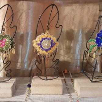 boucles d'oreilles BIG FLOWERS INDIA style ethnique, gipsy coloré rose- vert-vert-moutarde